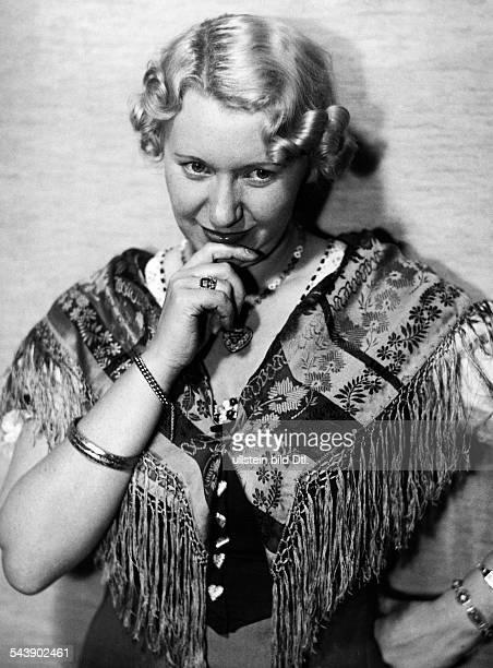 Claus Lillie Actress Austria*2000 Photographer Curt Ullmann Published by 'Sieben Tage' 30/1937Vintage property of ullstein bild