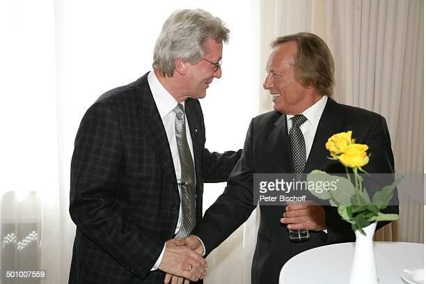 Claus Theo Gärtner, Horst Cerny , Verleihung Bundesverdienstkreuz an C l a u s T h e o G ä r t n e r, Wiesbaden, Deutschland, , P.-Nr. 540/2006,...