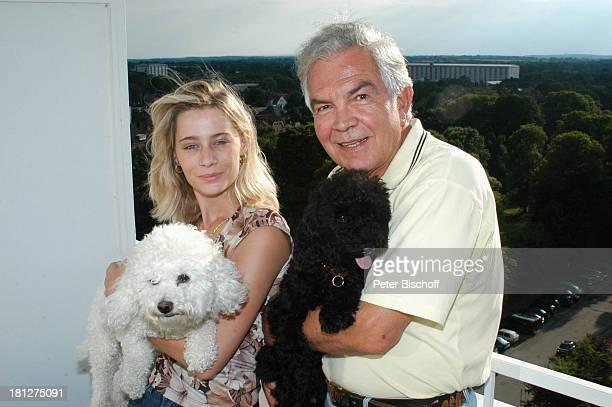 Claus Wilcke Ehefrau Janine Amann Hunde Chica und Coco