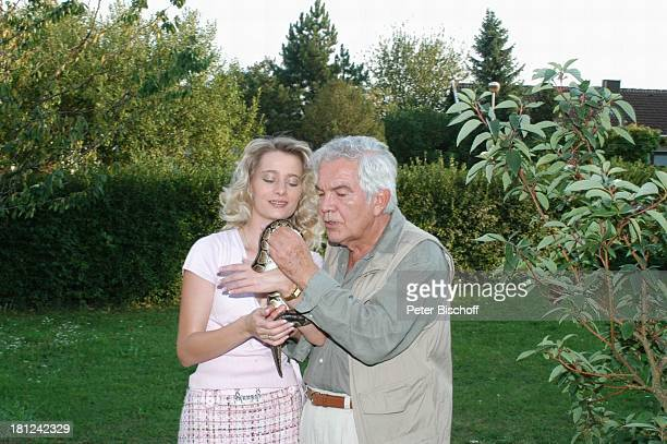 Claus Wilcke Ehefrau Janine Amann Pythonschlange Homestory Rothenburg ob der Tauber Deutschland