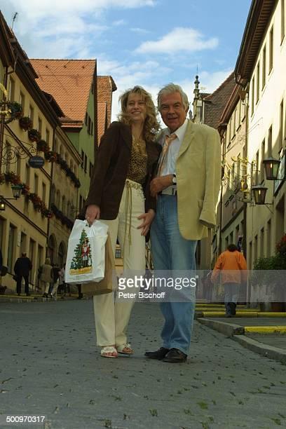 Claus Wilcke, Ehefrau Janine Amann, Rothenburg ob der Tauber, , Schauspieler Promi, P.-Nr.: 764/2004, HS; Foto: P.Bischoff/CD; Veröffentlichung nur...