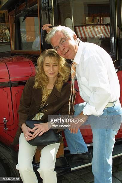 Claus Wilcke Ehefrau Janine Amann Rothenburg ob der Tauber Schauspieler Oldtimer Automobil Promi PNr 764/2004 HS Foto PBischoff/CD Veröffentlichung...
