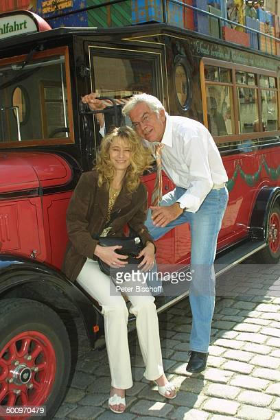 Claus Wilcke, Ehefrau Janine Amann, Rothenburg ob der Tauber, , Schauspieler, Oldtimer, Automobil Promi, P.-Nr.: 764/2004, HS; Foto: P.Bischoff/CD;...