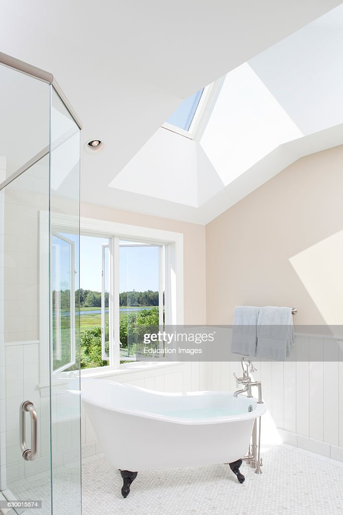 Claw foot tub with river view Pictures | Getty Images
