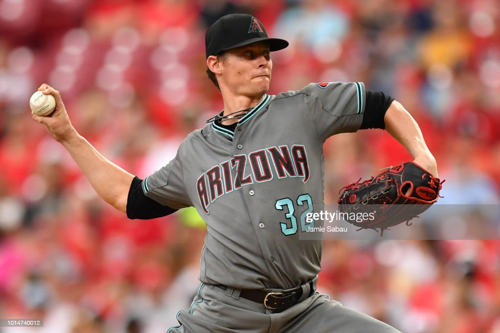 Clay Buchholz #32 of the Arizona Diamondbacks pitches in the first inning against the Cincinnati Reds at Great American Ball Park on August 10, 2018 in Cincinnati, Ohio.