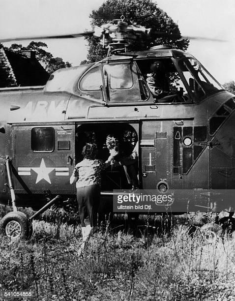 Clay Lucius D *23041898General USA19471949 Militärgouverneur in Deutschland1961/1962 Beauftragter Kennedys in BerlinDer Sonderbeauftragte Präsident...