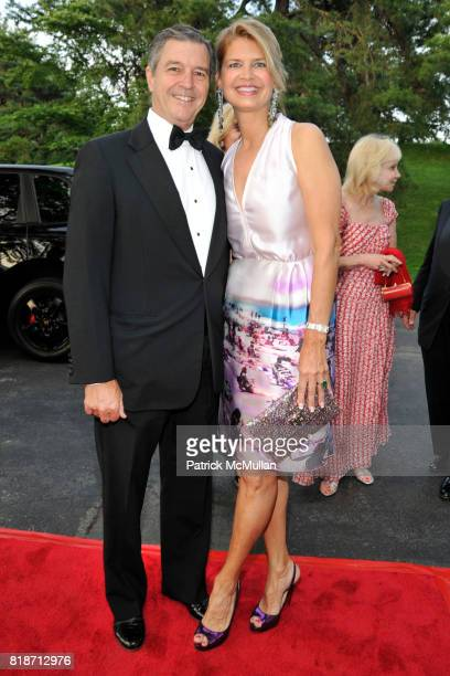 Clay Rohrbach and Anne Rohrbach attend THE CONSERVATORY BALL at The New York Botanical Garden on June 3 2010 in New York City