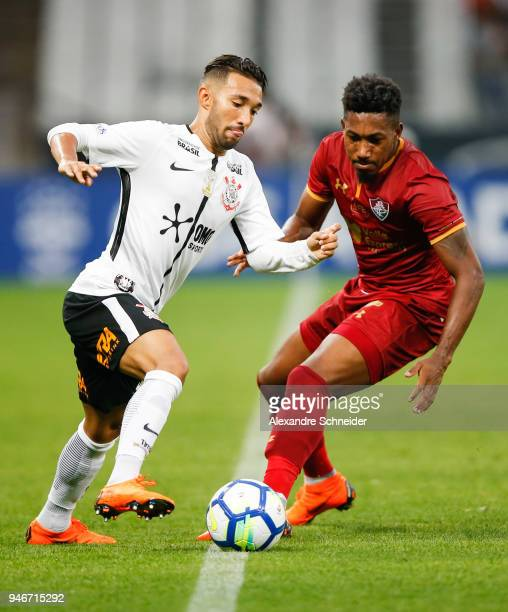 Clayson of Corinthinas and Pablo Dyego of Fluminense in action during the match between Corinthians and Fluminense for the Brasileirao Series A 2018...