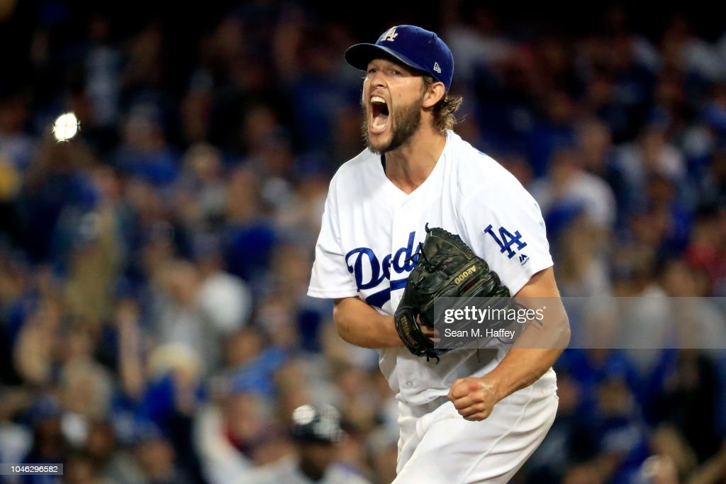 Divisional Round - Atlanta Braves v Los Angeles Dodgers - Game Two : News Photo