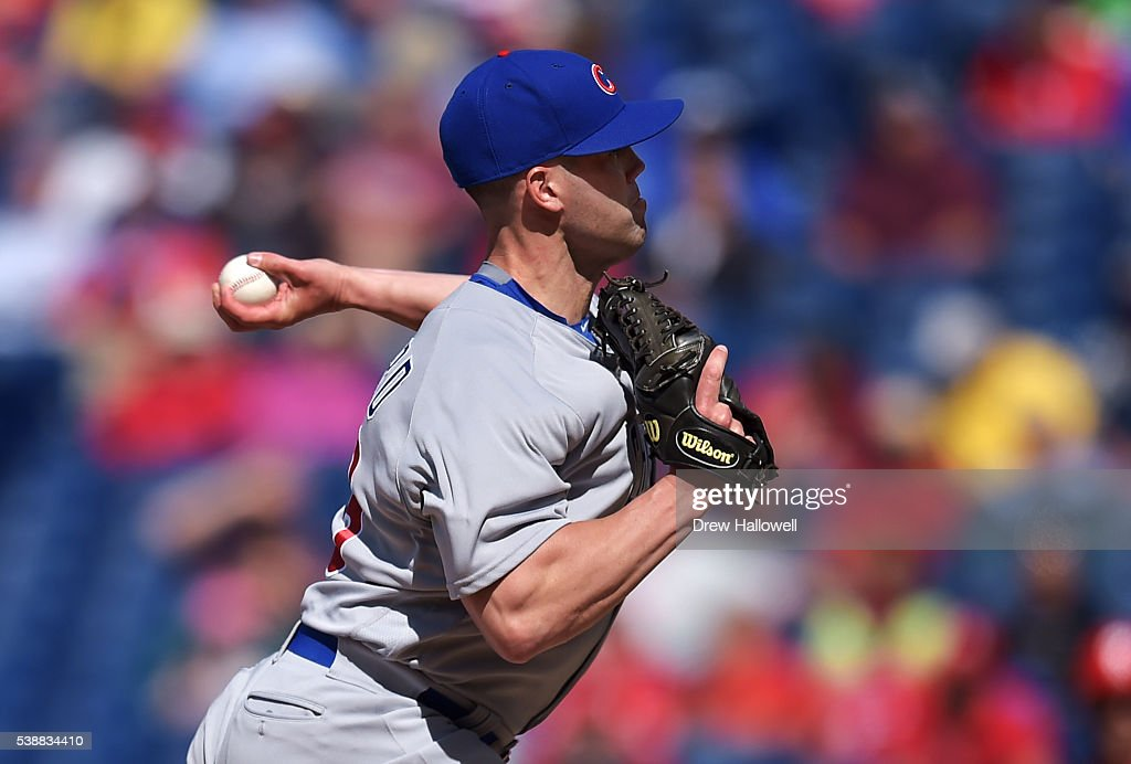Clayton Richard #33 of the Chicago Cubs delivers a pitch in the ninth inning against the Philadelphia Phillies at Citizens Bank Park on June 8, 2016 in Philadelphia, Pennsylvania. The Cubs won 8-1.