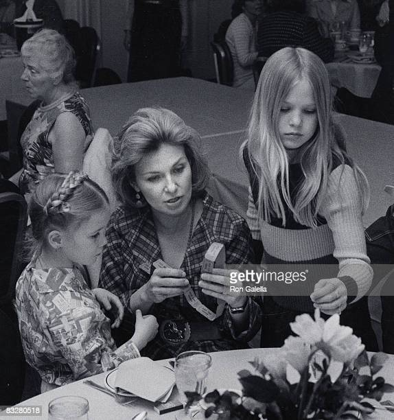 Clea Newman Joanne Woodward and Nell Newman