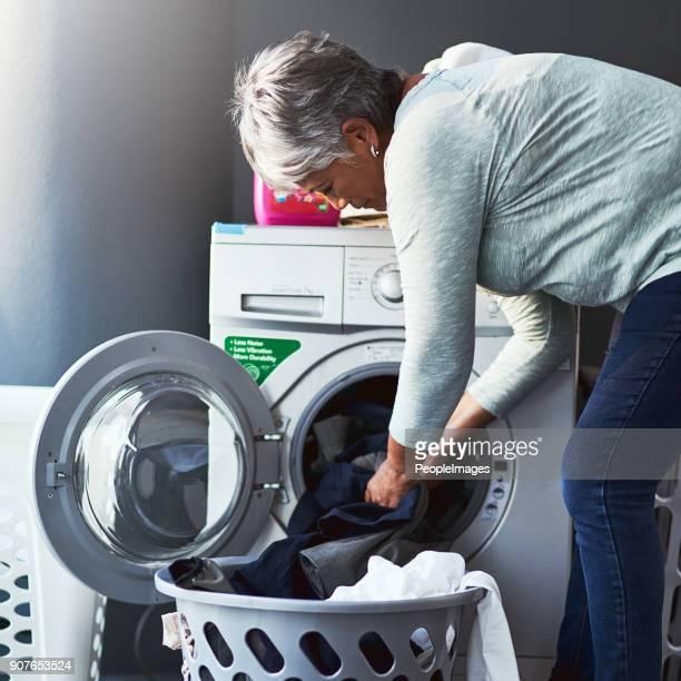 schone kleren komt recht omhoog - wassen stockfoto's en -beelden