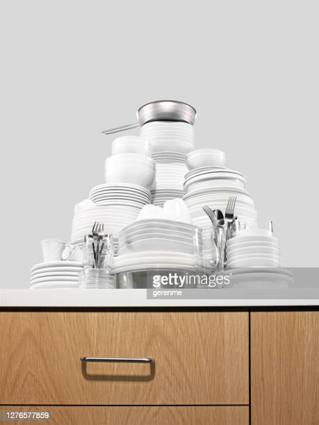 clean dishes - endopack stock pictures, royalty-free photos & images