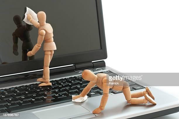 Schlichte Ausstattung-Holz-Puppen Reinigung laptop-Bildschirm