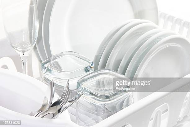 clean white dishes, high key - glas serviesgoed stockfoto's en -beelden