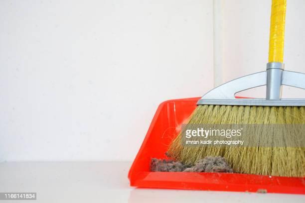 cleaner tools - 箒 ストックフォトと画像