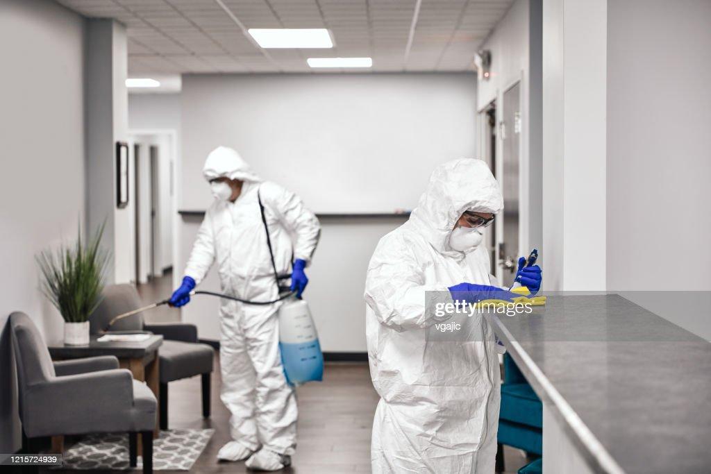 クリーニングと消毒オフィス : ストックフォト