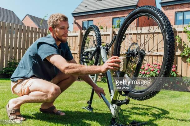 自転車のクリーニング - モーペス ストックフォトと画像
