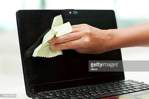 Cleaning Netbook Screen