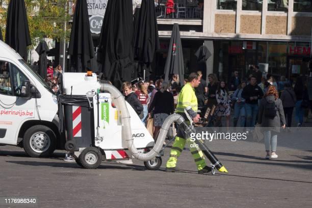 cleaning the city - gent, belgium - flandres oriental imagens e fotografias de stock