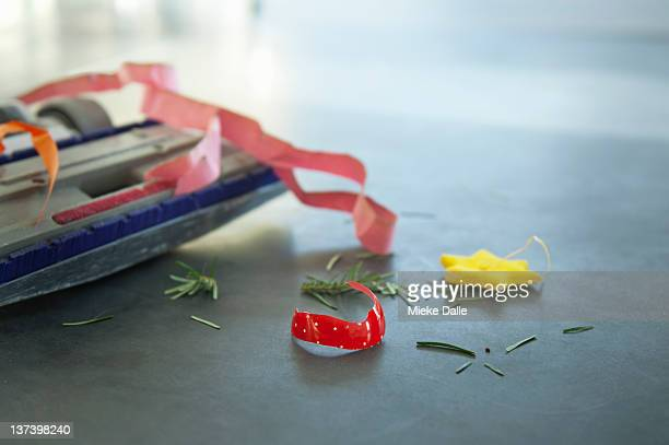 cleaning the day after christmas - cleaning after party stock pictures, royalty-free photos & images