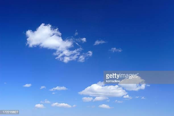 XXL クリアブルーの空のパノラマに広がる