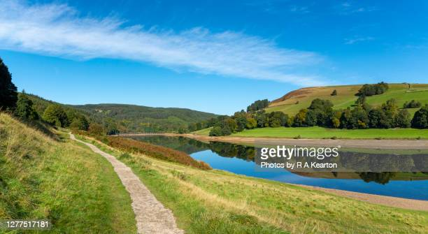 clear morning at ladybower reservoir, derwent valley, derbyshire, england - rural scene stock pictures, royalty-free photos & images