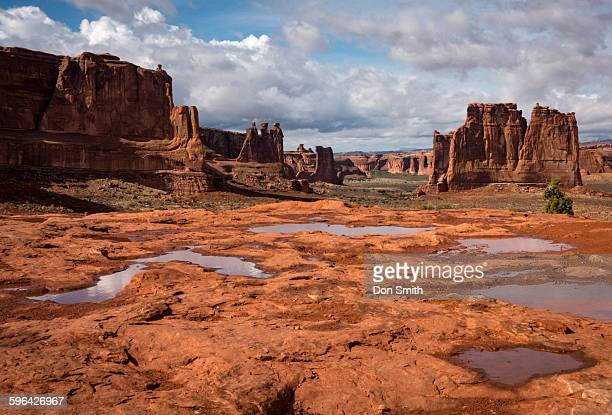 clearing storm over arches - don smith foto e immagini stock