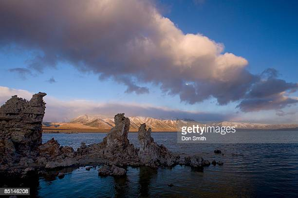 clearing winter storm over mono lake - don smith stock pictures, royalty-free photos & images