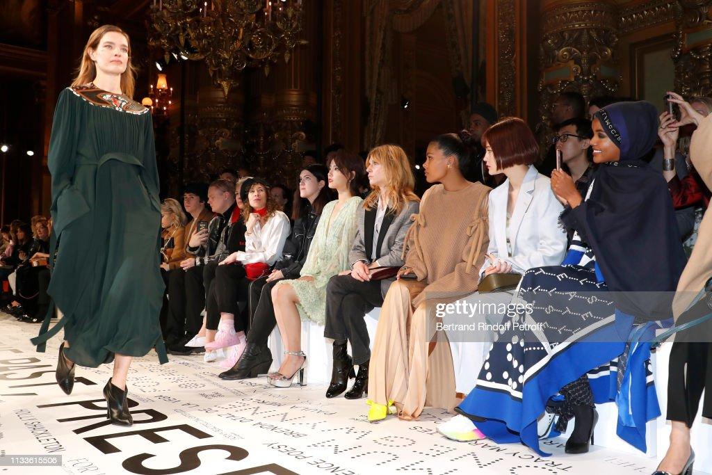 Stella McCartney : Front Row- Paris Fashion Week Womenswear Fall/Winter 2019/2020 : Foto di attualità