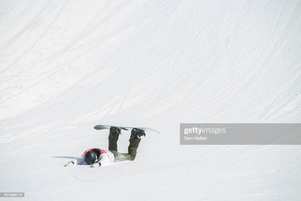 Pyeongchang 2018 Winter Olympics Men's Snowboard Big Air Qualification : News Photo