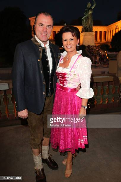 Clemens Toennies, president Schalke o4 and his wife Margit Toennies and their son Max Toennies and his girlfriend Olivia, during the Oktoberfest 2018...