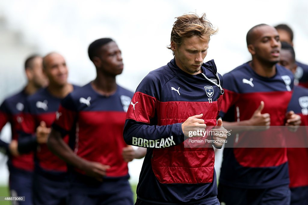 FC Girondins de Bordeaux Press Conference And Training Session