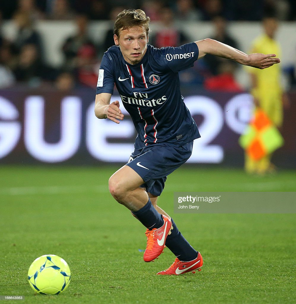 Paris Saint-Germain FC v Valenciennes FC - Ligue 1