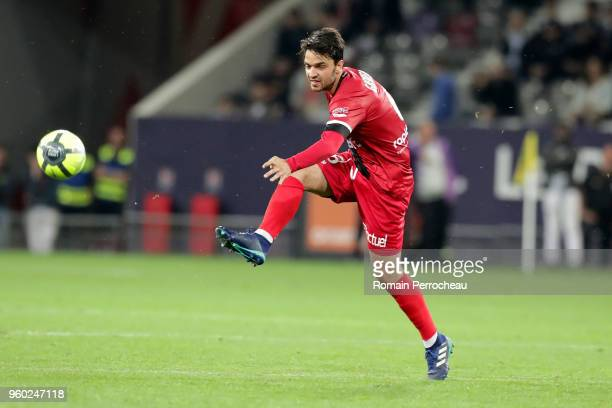 Clement Grenier of Guingamp in action during the Ligue 1 match between Toulouse and EA Guingamp at Stadium Municipal on May 19 2018 in Toulouse