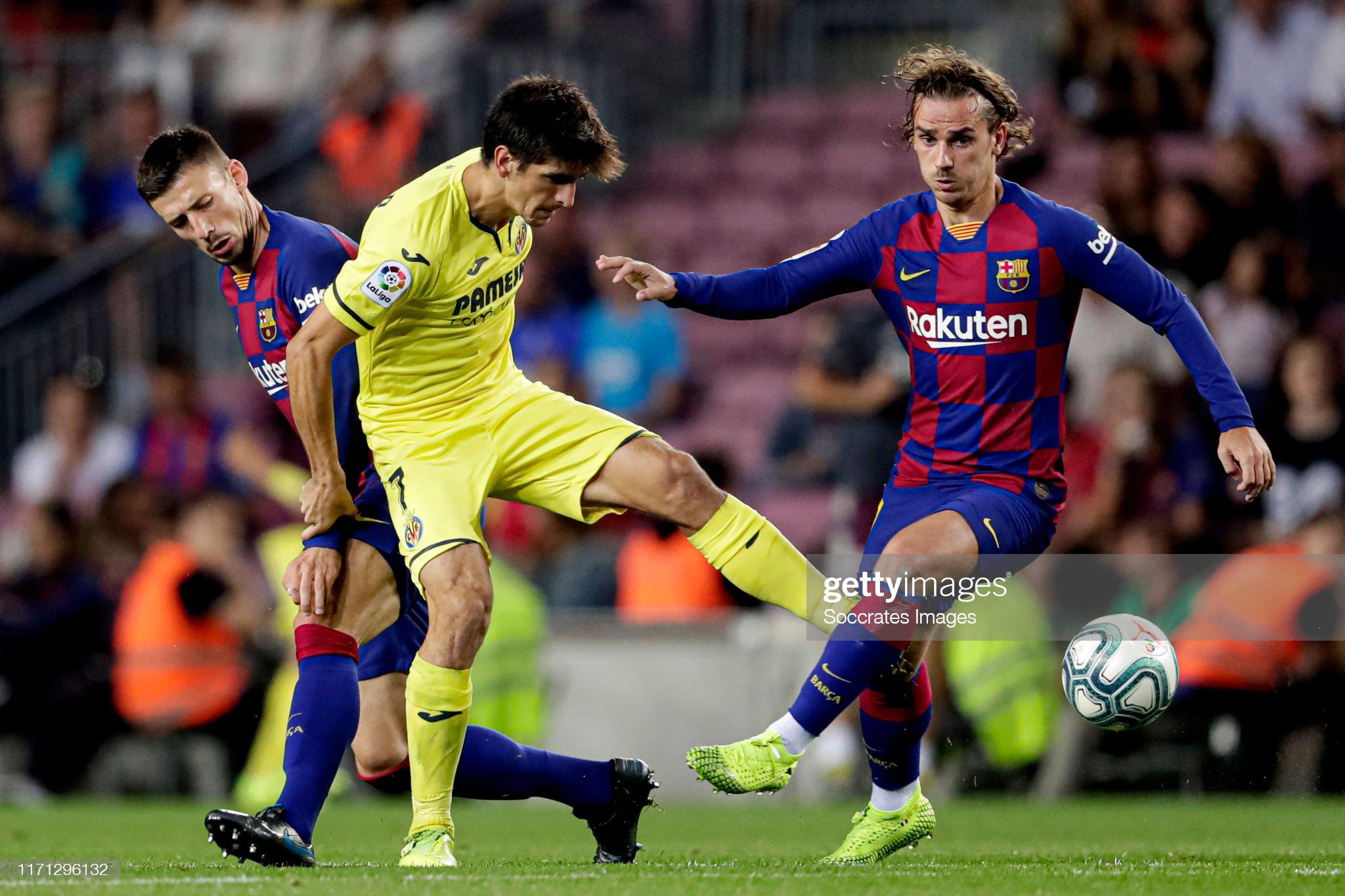 صور مباراة : برشلونة - فياريال 2-1 ( 24-09-2019 )  Clement-lenglet-of-fc-barcelona-gerard-moreno-of-villarreal-antoine-picture-id1171296132?s=2048x2048