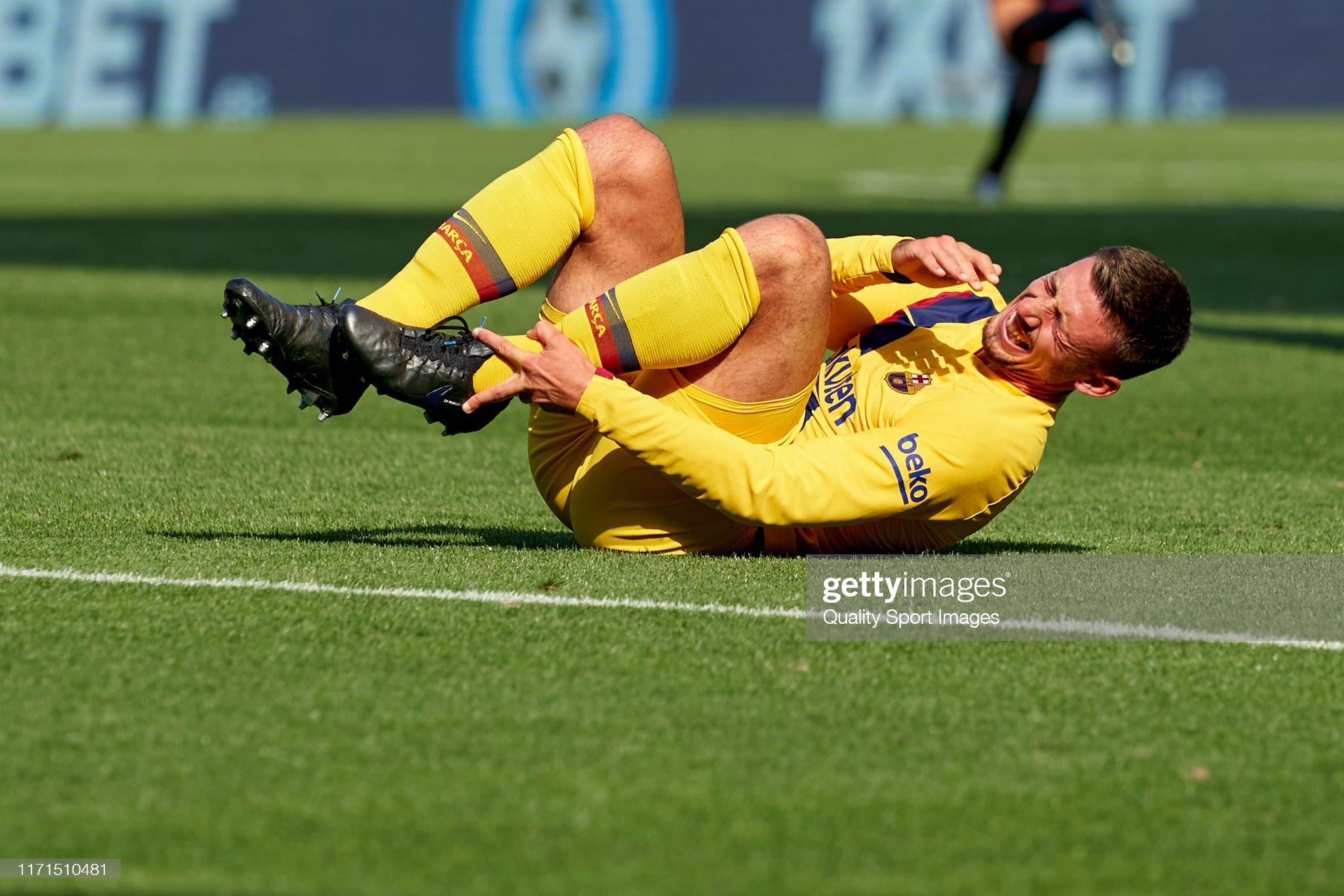 صور مباراة : أوساسونا - برشلونة 2-2 ( 31-08-2019 )  Clement-lenglet-of-fc-barcelona-over-the-pitch-injured-during-the-picture-id1171510481?s=2048x2048