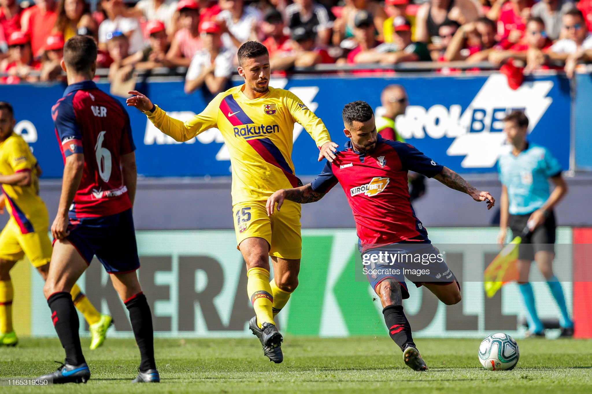 صور مباراة : أوساسونا - برشلونة 2-2 ( 31-08-2019 )  Clement-lenglet-of-fc-barcelona-ruben-garcia-of-ca-osasuna-during-the-picture-id1165319350?s=2048x2048