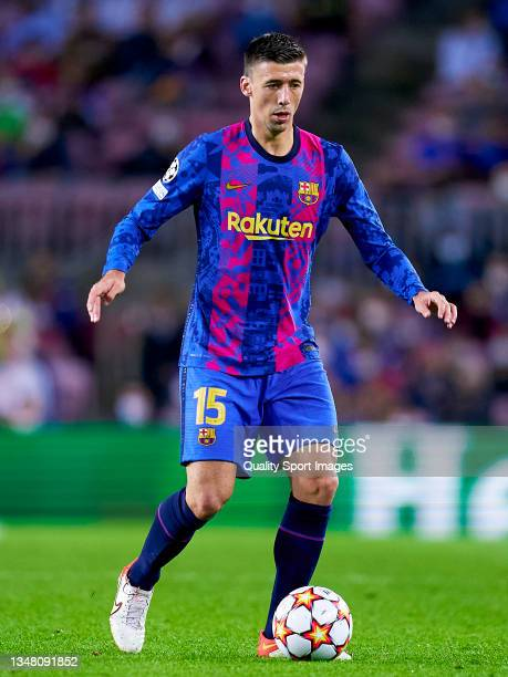 Clement Lenglet of FC Barcelona runs with the ball during the UEFA Champions League group E match between FC Barcelona and Dinamo Kiev at Camp Nou on...