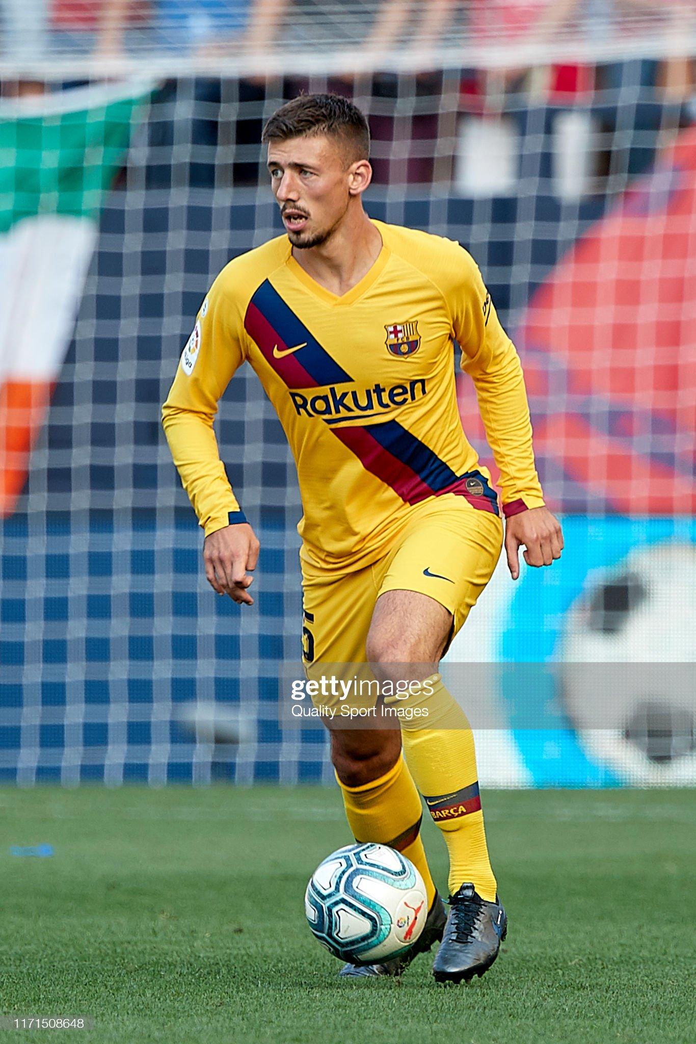 صور مباراة : أوساسونا - برشلونة 2-2 ( 31-08-2019 )  Clement-lenglet-of-fc-barcelona-with-the-ball-during-the-liga-match-picture-id1171508648?s=2048x2048