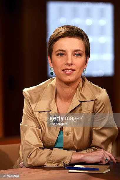 Clementine Autain on the set of TV show 'Culture et Dependances'