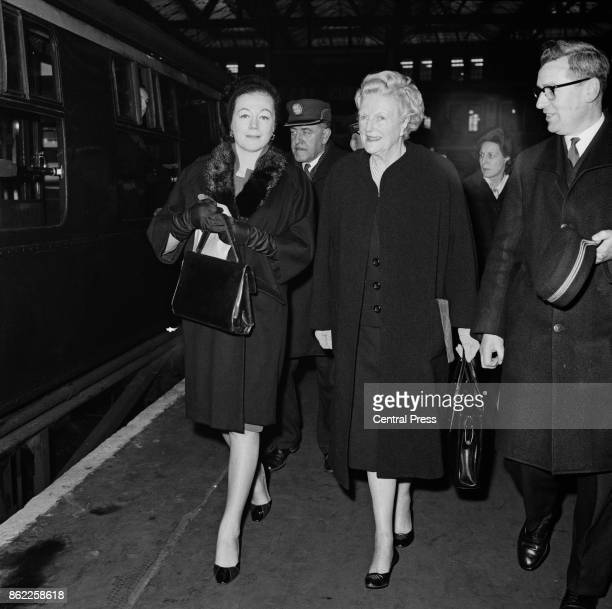 Clementine Churchill Baroness SpencerChurchill the widow of Sir Winston Churchill is seen off by her daughter actress Sarah Churchill on the 'Queen...