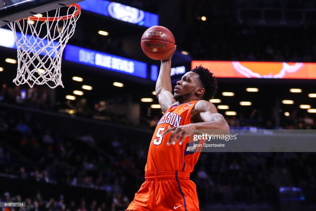COLLEGE BASKETBALL: MAR 08 ACC Tournament - Duke v Clemson : Fotografía de noticias