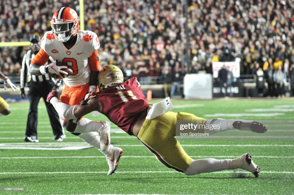 COLLEGE FOOTBALL: NOV 10 Clemson at Boston College : News Photo
