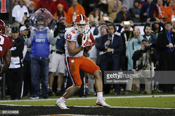 Clemson Tigers wide receiver Hunter Renfrow catches a pass in the end zone for a touchdown with 1 second remaining in the 4th quarter of the 2017...