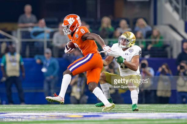 Clemson Tigers wide receiver Justyn Ross makes a catch with Notre Dame Fighting Irish safety Alohi Gilman defending during the CFP Semifinal Cotton...