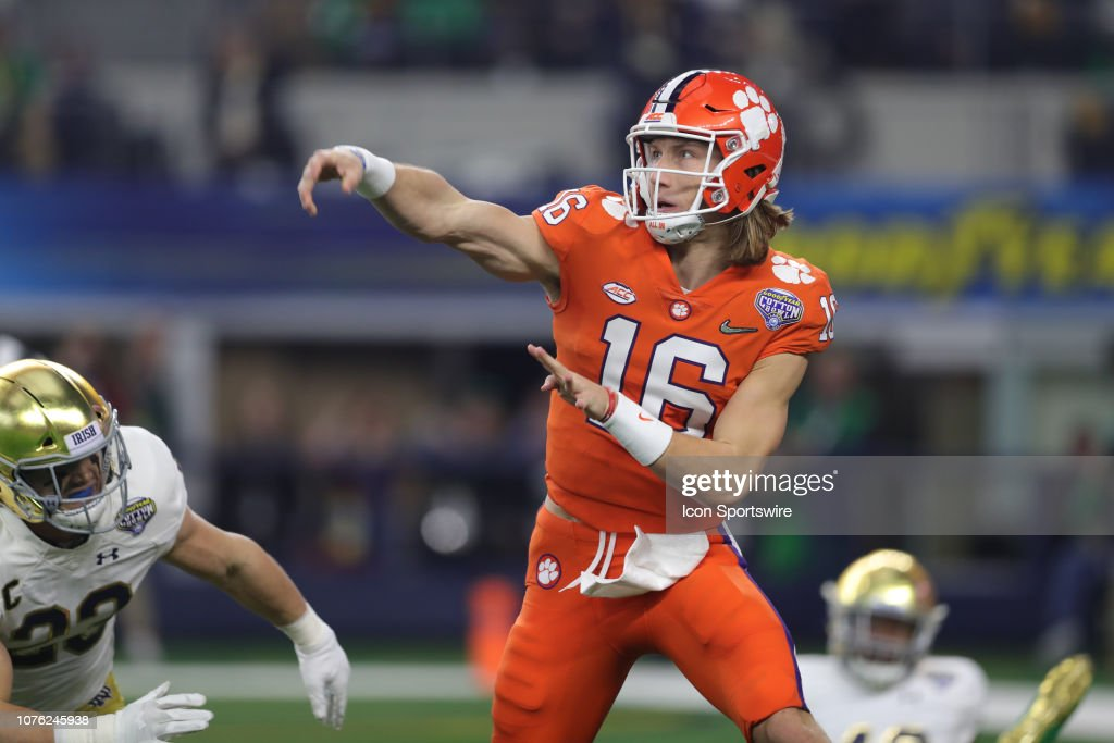 COLLEGE FOOTBALL: DEC 29 CFP Semifinal at the Cotton Bowl Classic - Clemson v Notre Dame : News Photo