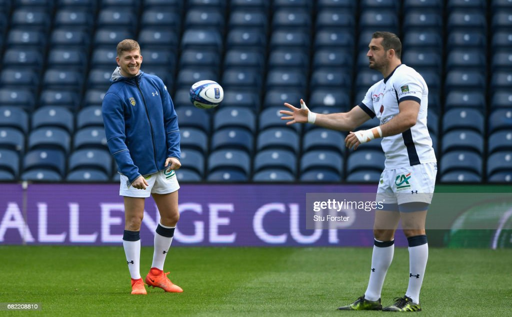 Clermont Auvergne wing David Strettle (l) shares a joke with Scott Spedding during the captains run before the 2017 European Rugby Champions Cup Final at Murrayfield Stadium on May 12, 2017 in Edinburgh, Scotland.