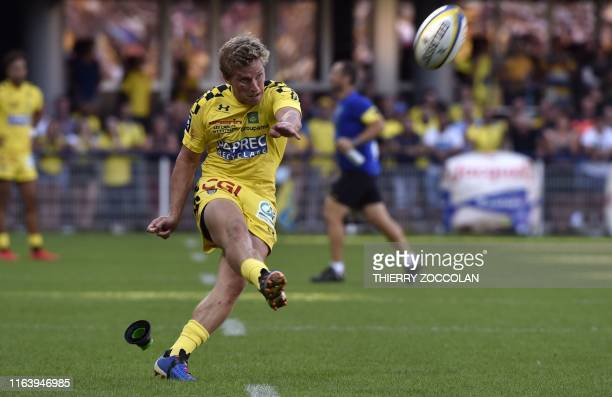 Clermont's Australian fly-half Jake Mcintyre hits a penalty kick during the French rugby union match between ASM Clermont and SR La Rochelle at the...