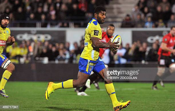 Clermont's Fidji winger Noa Nakaitaci runs with the ball during the French Top 14 rugby union match ASM Clermont Auvergne vs Oyonnax on December 29...